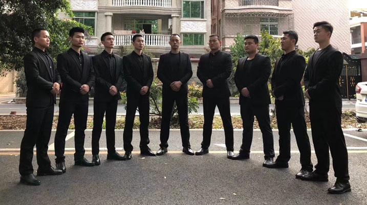 家属前往马来西亚驻华大使馆抗议 要求公布真相
